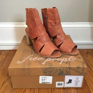 NEW Free People Effie Block Heel, Rust, 38